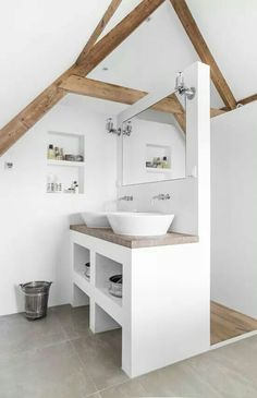 clever use of small space in bathroom