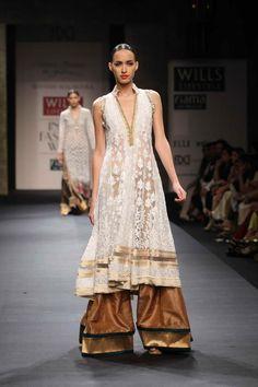 Wills Lifestyle India Fashion Week SS'13 - Manish Malhotra — The Purple Window