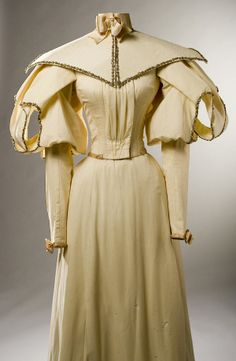 Cream silk satin three piece wedding dress and accessories worn by Sallie S. Stark when she married Wyan Samuel Russell, November 1895 in Chilhowee, MO. Missouri History Museum. #vintagewedding #victorianwedding #1890sstyle