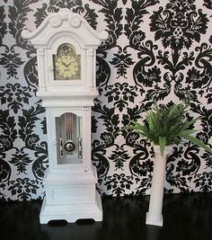 GRANDFATHER CLOCK 4 BARBIE~MONSTER HIGH~FASHSION ROYALTY OOAK HOUSE FURNITURE