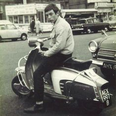 Retro Scooter, Lambretta Scooter, Mod Girl, Motor Scooters, 60s Mod, The Best Films, Northern Soul, Music Images, Skinhead