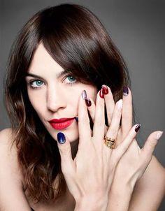 Alexa-Chung-Nail-Polish-Blue-Ring-It-Girl