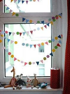 : Pin of the Day June): Sweet little window bunting by Indre Zetsche for Kickcan & Conkers * Maxabella loves.: Pin of the Day June): Sweet little window bunting by Indre Zetsche for Kickcan & Conkers fenster grundschule Childrens Room Decor, Diy Décoration, Kid Spaces, Diy For Kids, Nursery Decor, Wall Decor, Wall Art, Playroom, Diy And Crafts