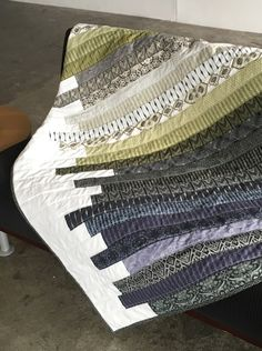 I Always Pick The Thimble - A Modern Quilt for Steven - making a strip quilt