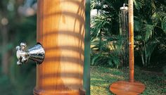 Chuveiros de Piscina em Formato de Bambu por Honeymoon