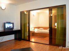Red Rooms, Bunk Beds, Bathroom Lighting, Villa, Bathtub, Mirror, Furniture, Home Decor, Bathroom Light Fittings