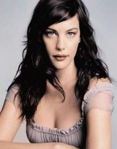 Liv Tyler in Off-Shoulder Chif. is listed (or ranked) 6 on the list The Hottest Liv Tyler Photos Oblong Face Hairstyles, Chic Hairstyles, Hairstyles With Bangs, Hairstyle Men, Wedding Hairstyles, Formal Hairstyles, Layered Hairstyle, Style Hairstyle, Elegant Hairstyles