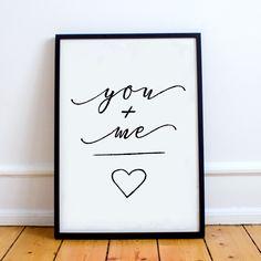 É muito amor!! Conheça nossa linha de quadros decorativos para todos os ambientes. Peças a partir de R$39,90. Confira!<br /><br />#quadro #decoração #decoracao #quadrinhos #quadros #instadecor #instahome #home #dicasbh #lar #lardocelar #casa #instadicas #decor #pendure #bhdicas #studiopendure
