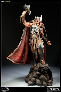 Sideshow Collectibles - Thor Statue--- A must have piece