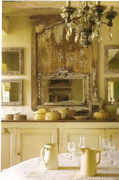 Pickering Hill:  Elegant room, presentation and collection of stoneware.  Décor de Provence: Gers, France