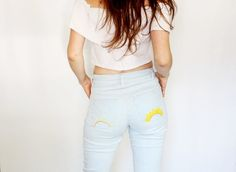 Master jean fitting adjustments with these tips for your best fitting jeans! We illustrate how to diagnose fit issues, and how to fix them. Sewing Pants, Patterned Jeans, Sewing Techniques, Workout Pants, White Jeans, Trousers, Tips, Crafty, Patterns