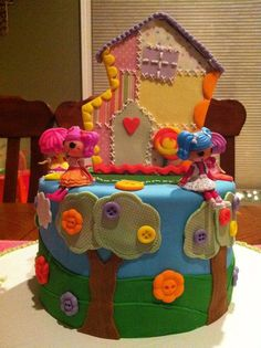 This cake designer did a great job! Emmie wants me to make her Birthday cake like this one.