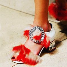 #fashion#look#lookbook#lookoftheday#stylish#style#vogue#harpersbazaar#instyle#elle#thephotooftheday#highsociety#socialmedia#chic#lofficiel#instagram#makeup#happy#hair#cosmopolitan#lifestyle#fashionnart http://butimag.com/ipost/1494113044782887274/?code=BS8J-Xoj7Fq