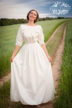 Modest Long Dresses, Long Midi Dress, Lovely Dresses, Stylish Dresses, Girls Dresses, Lace Kimono Outfit, Old Fashion Dresses, Plain Wedding Dress, Dress Sketches
