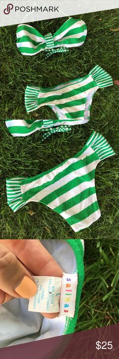 Salinas  bikini set size (NOT vix brand) terry kini from salinas. Moderate coverage with a mid rise  retro feel halter style tie loops over your neck and ties at your back. Very flattering and uplifting (feels supportive) the suit fit more like a medium. Last photo shows the insides of the bikini are still a bright white. I was a bikini hoarder for years so most of my bikinis were only worn a few times and only hand washed and barely ever went into the pool. Bundle items from my closet to…
