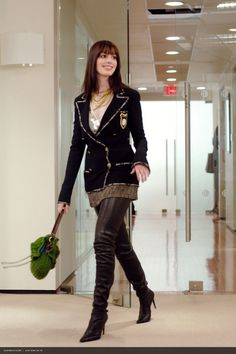 the-devil-wears-prada-anne-hathaway-boots