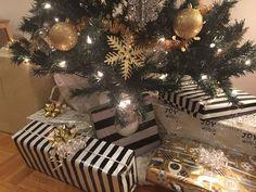 Gold Christmas, Christmas Tree, Gift Wrapping, Holiday Decor, Gifts, Home Decor, Gift Wrapping Paper, Homemade Home Decor, Presents