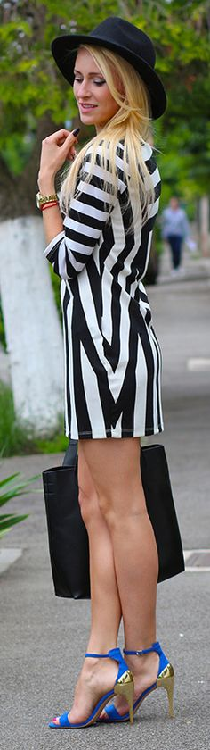 http://buyerselect.com/blog/wp-content/uploads/2013/02/black-and-white-stripes-fashion-blog.jpg