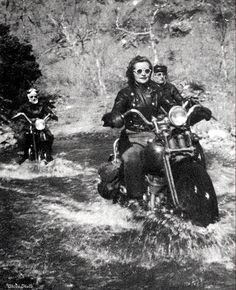 Biker Chicks Dating is the largest biker chicks dating site and most effective biker personal community for single bikers to find motorcycle lovers near you for date or friendship. Women Riding Motorcycles, Vintage Motorcycles, Vintage Biker, Look Vintage, Vintage Heart, Lady Biker, Biker Girl, Chicks On Bikes, Cafe Racer Girl