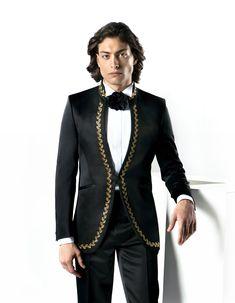 Alege un costum de ceremonie marca Filip Cezar și îl personalizăm până la cel mai mic detaliu.   Noua colecție de costume de ceremonie oferă exclusivitate și rafinament tuturor bărbaților care doresc o ținută unică realizată în stil tradițional, la comandă (bespoke).  Stabilește o programare la nr. 0736.962.946 sau află mai multe detalii accesând pagina cu modelul. Kurta Designs Women, Sherwani, Mens Suits, Nasa, Costumes, Black, Style, Suits, Dress Suits For Men