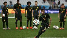 Papo de Esquinas: Depois de 23.241 dias, Brasil joga Copa do Mundo e...