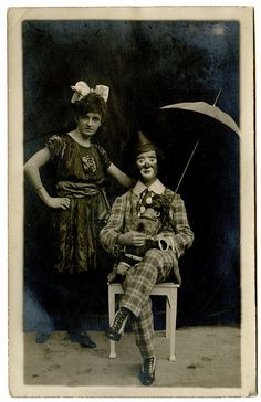 Vintage Photos of Circus Performers from 1890s-1910s, clown