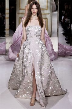 Sfilata Giambattista Valli Paris - Alta Moda Primavera Estate 2013 - Vogue