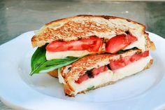 Grilled Caprese Sandwich #vegetarian