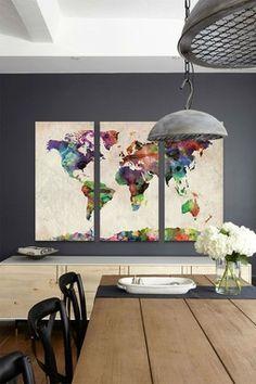 mapamundi en tres tableros como obra de arte