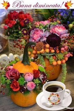 Fall Season, Good Morning, Floral Wreath, Bunny, Seasons, Table Decorations, Fruit, Plants, Color