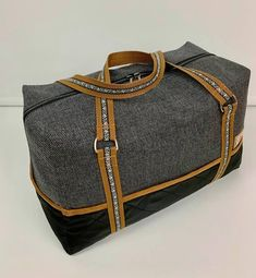 Ryanair carry on håndbagage Bag Patterns To Sew, Sewing Patterns, Sewing Ideas, New Bag, How To Make, Leather, Accessories, Jeans, Projects