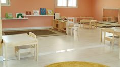 Montessoriclassroom-evenpinkwallsdontfeeloverwhelming.jpg (800×450)