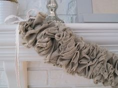 ruffled linen garlan