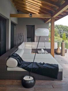40 Lovely Veranda Design Ideas For Inspiration - Bored Art Outdoor Living Rooms, Outdoor Spaces, Living Spaces, Outdoor Decor, Outdoor Furniture, Nice Furniture, Furniture Direct, Indoor Outdoor, Veranda Design