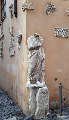 Via A.Canova angolo Via delle Colonnette Roma Italia