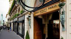Milagro Paris Vendome entrance