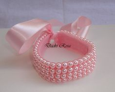 pink bracelet for your wedding day to honor loved ones Rope Jewelry, Diy Jewelry, Hair Ribbons, Hair Bows, Bun Wrap, Diy Ribbon, Bracelet Tutorial, Beads And Wire, Girls Accessories