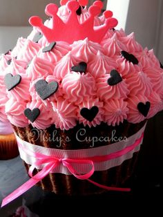 bday cupcake ideas for addysan's first bday