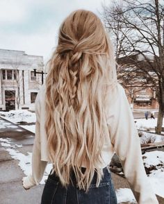 25 amazing winter hairstyles that are popular these days - # amazing . - 25 amazing winter hairstyles that are popular these days – # amazing days - Hair Inspo, Hair Inspiration, Braided Hairstyles, Cool Hairstyles, Hairstyle Braid, Hair Down Hairstyles, Simple Hairstyles For School, Country Hairstyles, Wedding Hairstyles