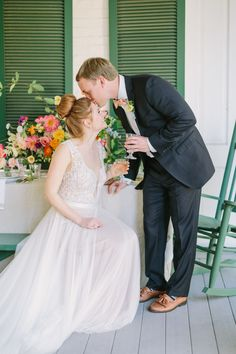 When it comes to wedding color palettes, blush and neutrals are usually the go-to but not in this elopement! When the bride wants a bright and summery southern elopement, you make it happen! Nothing screams summer like some bright, bold florals! It's like sangria in flower form. It doesn't take much to make a wedding feel personal. This wedding will inspire you to create a sophisticated, fun and bold wedding with bright colors. Wedding Planning On A Budget, Plan Your Wedding, Wedding Planner, Floral Wedding, Wedding Colors, Getting Ready Wedding, Wedding Photography Tips, Wedding Photos, Wedding Ideas