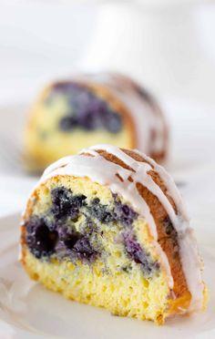 Cake Mix Pound Cake, Sour Cream Pound Cake, Pound Cakes, French Vanilla Cake, Vanilla Cake Mixes, Cake Mix Recipes, Cupcake Recipes, Dessert Recipes, Blueberry Bundt Cake Recipes