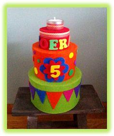 Kleuterjuf in een kleuterklas: Verjaardagstaart voor in de klas | Thema FEEST