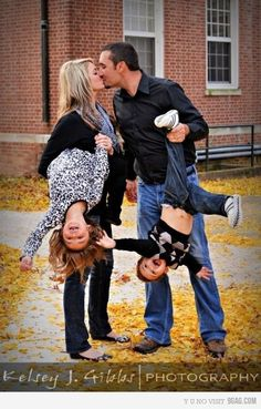 I LOVE this! What a great family photo!