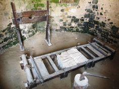 L'ancienne  salle de tortures de Yèvre-le-Châtel (Loiret)