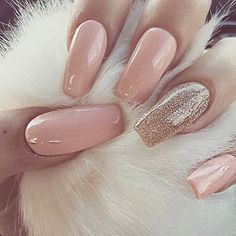 A manicure is a cosmetic elegance therapy for the finger nails and hands. A manicure could deal with just the hands, just the nails, or Prom Nails, Wedding Nails, Gorgeous Nails, Pretty Nails, Amazing Nails, Hair And Nails, My Nails, Gold Gel Nails, Matte Nails