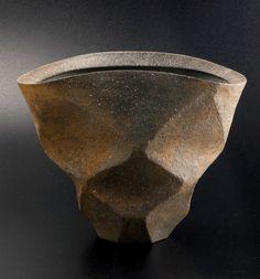 多面花器[Flower bowl of many sides] made by Mr. Yukiya Izumita