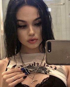 images about Maggie ✨💗 on We Heart It Maggie Lindemann, Bad Girl Aesthetic, Aesthetic Grunge, White Tumblr, Pretty Girls, Cute Girls, Tumbrl Girls, Girls Tumblrs, Gangsta Girl