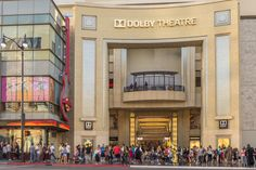 Everything You Need to Know About Visiting Hollywood Boulevard: Dolby Theatre and a Typical Hollywood Boulevard Crowd
