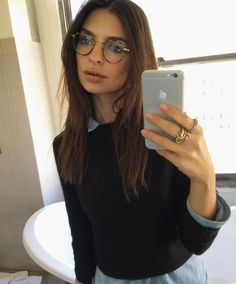 Emily Ratajkowski proves it's chic to be a geek | DRESSR