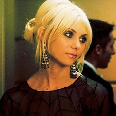 Jenny Humphrey! Love her make up here